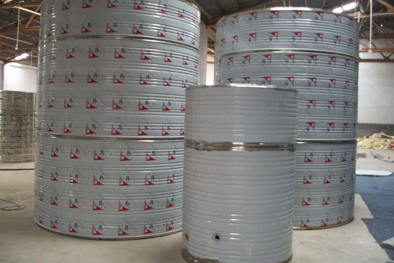 304不锈钢圆柱形水箱